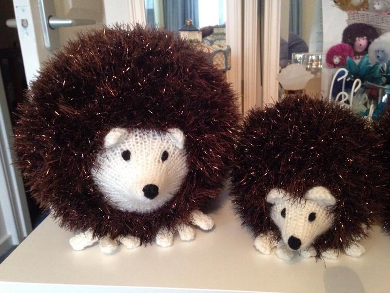 Tinsel Hedgehog Knitting Pattern : Lozboz Crafts