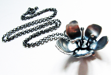 Cybersilver Jewellery Designs - Handcrafted From Silver, Copper And Semi-Precious Gems.